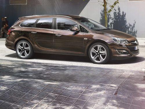 Opel Astra ST 120-Edit. 1.6. CDTI bei Auto Günther in